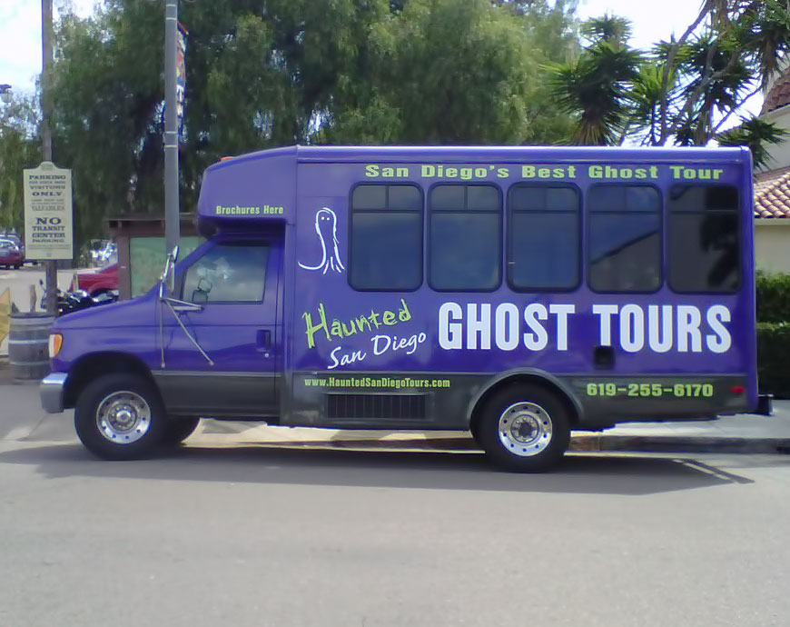 ghost and gouls haunted tour bus